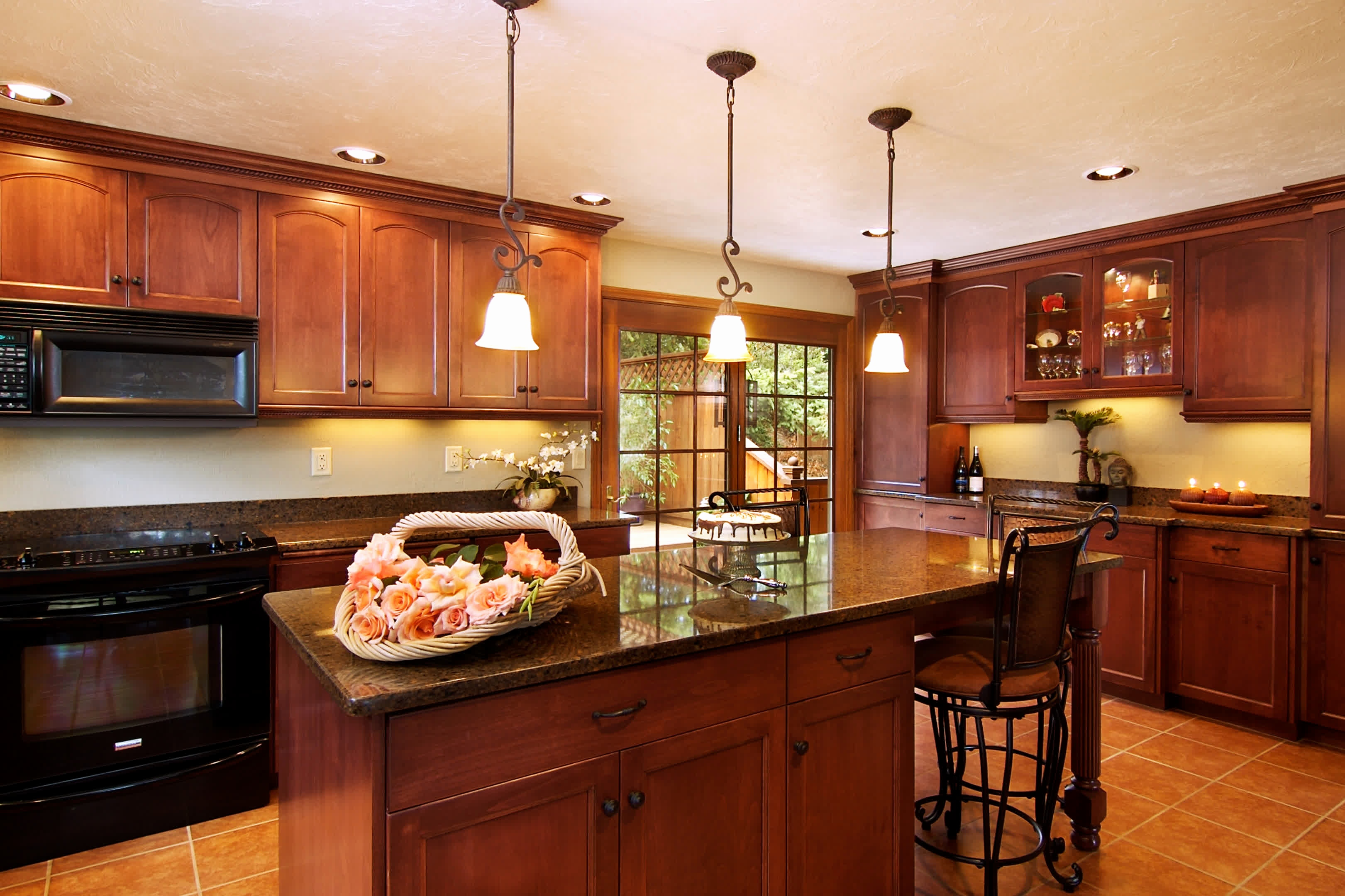 Check Out 3 Kitchen Layouts Decorated With Custom Cabinet Designs
