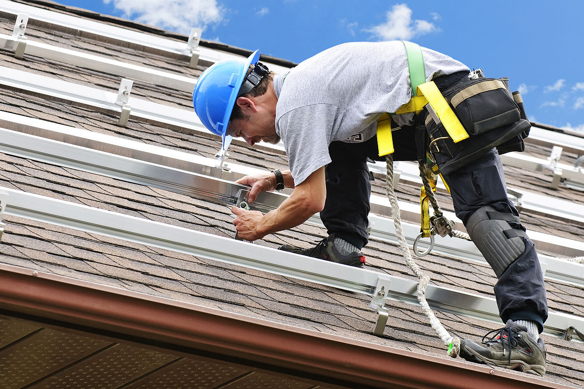 Intelligent Techniques of Roof Painting For Your New Home